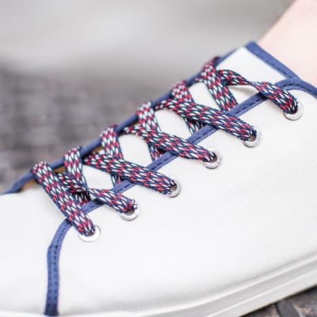 Baskets à lacets