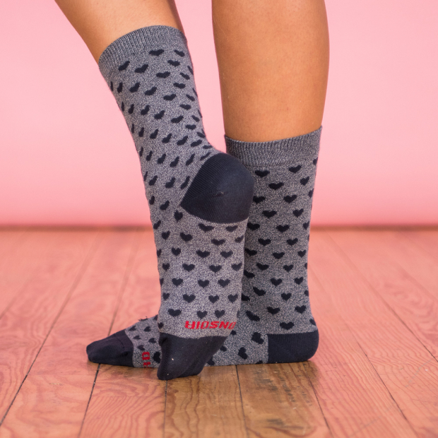 2 pairs of socks