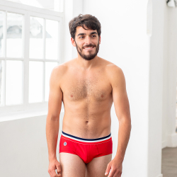 Le Terrible - Red brief