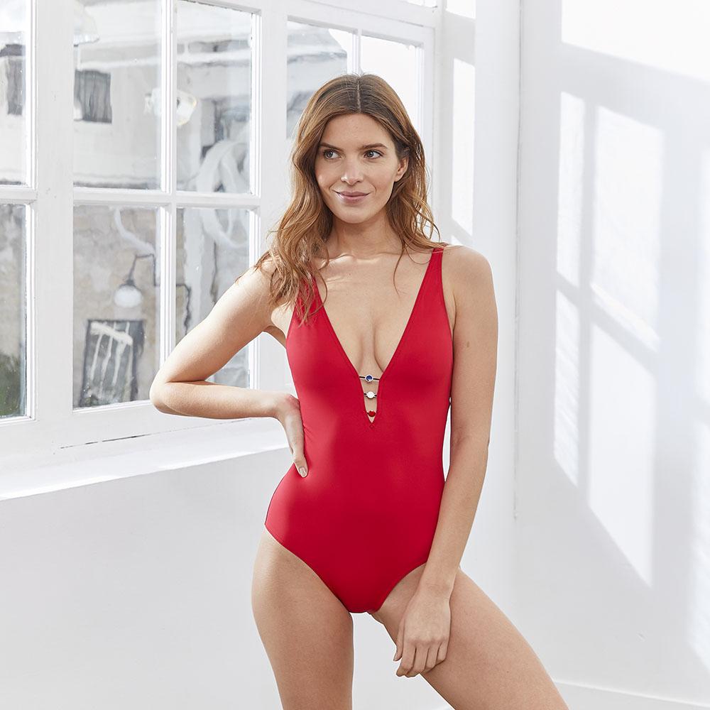 Une Piece Femme Rouge Le Slip Français