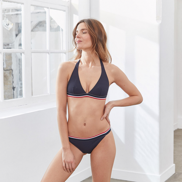 Blaues Bikini Oberteil