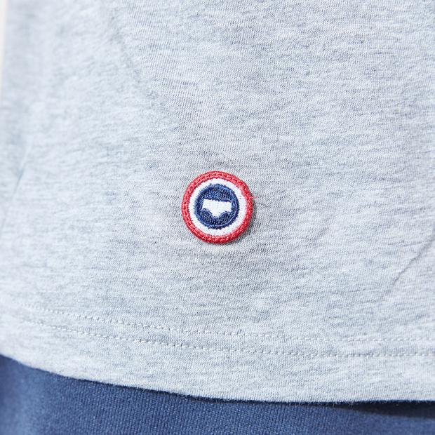Graumeliertes T-Shirt
