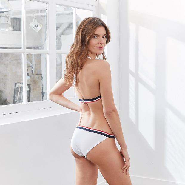 Weiße Bikinihose