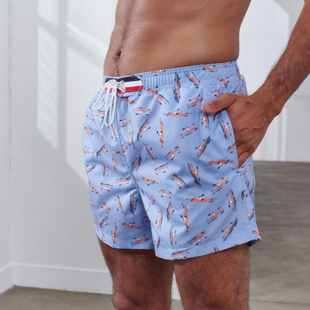 Elastic swim shorts
