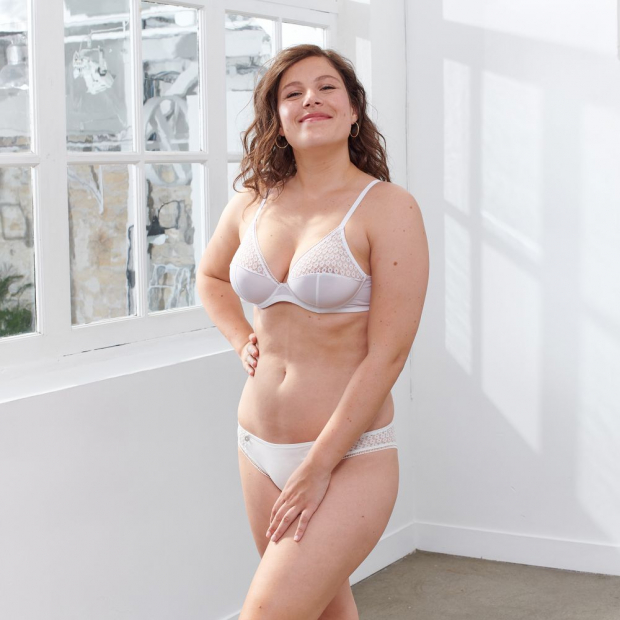 Underwired balconette bra