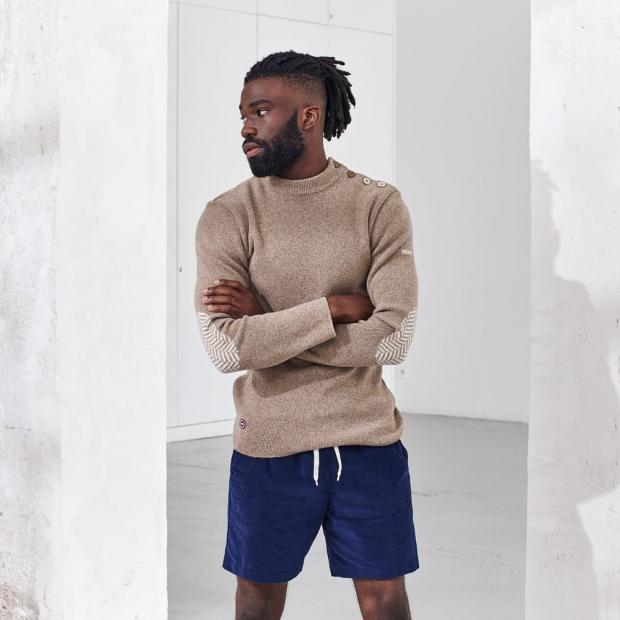 Mittellange Shorts