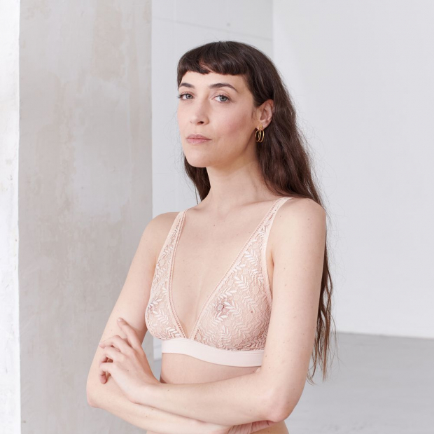 Bra without underwire from French lace