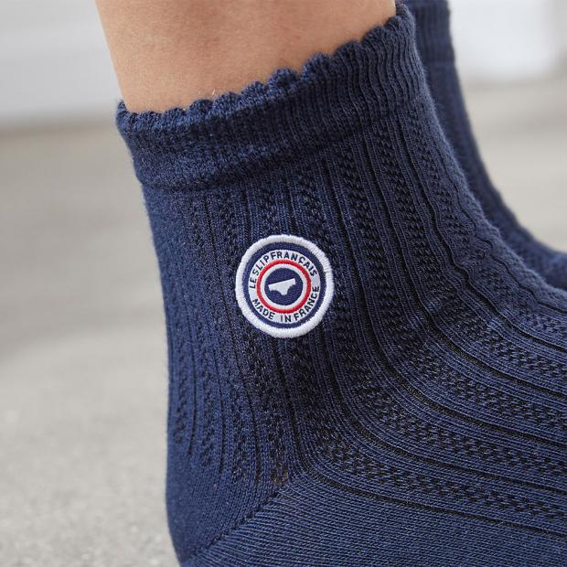 Marineblaue Socken