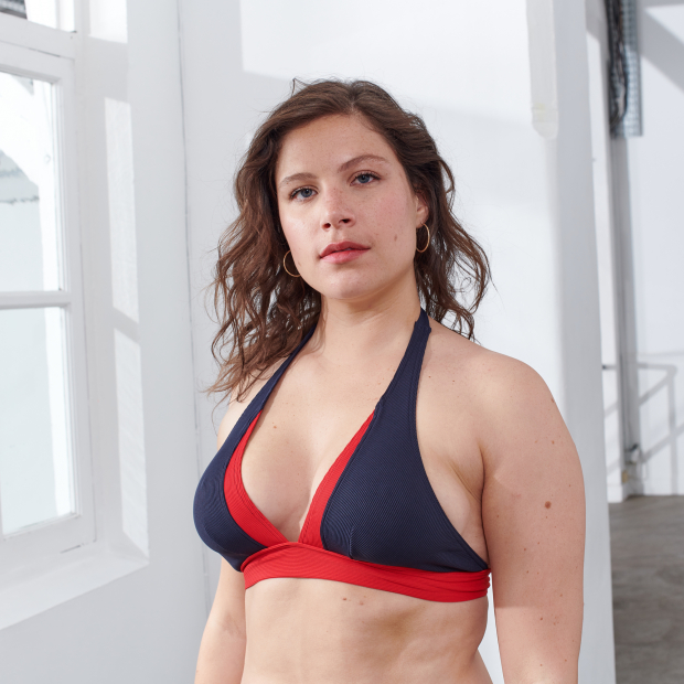 Marineblaues Bikinioberteil