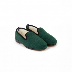 Wool slippers with rubber sole