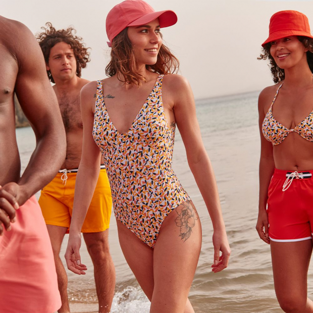 One-piece swimming suit in recycled polyamide