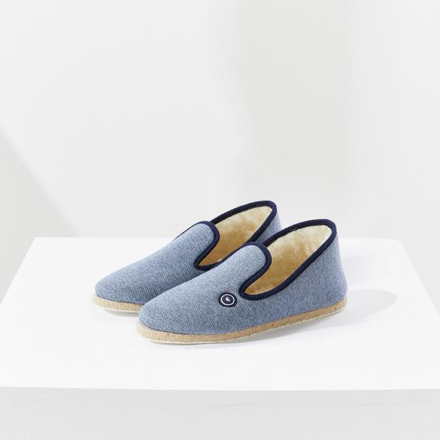 Woolen indoor slippers